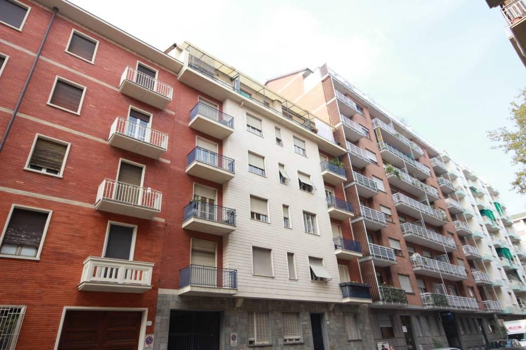 Foto 1 di Bilocale via Monte Rosa 131, Torino (zona Barriera Milano, Falchera, Barca-Bertolla)