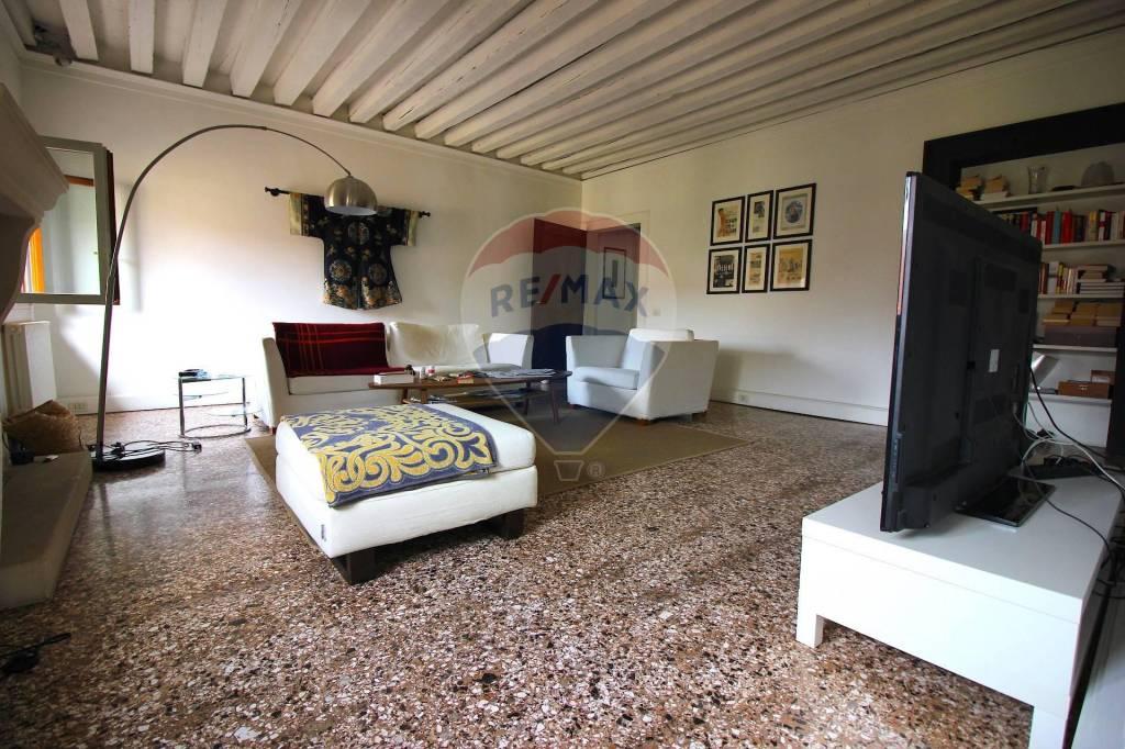 Appartamento in vendita a Vicenza, 5 locali, prezzo € 535.000 | CambioCasa.it