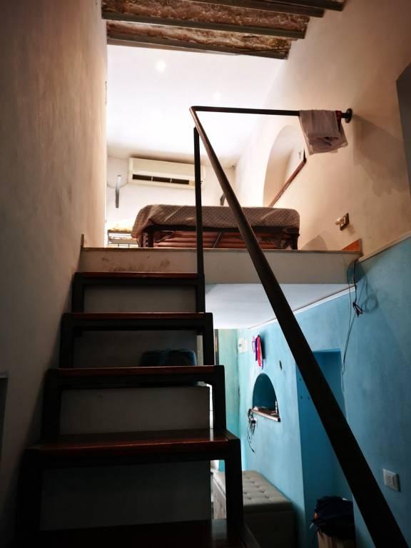 Appartamento in Vendita a Palermo Centro: 1 locali, 42 mq