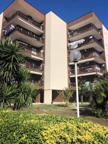 Appartamento in buone condizioni parzialmente arredato in affitto Rif. 6415689