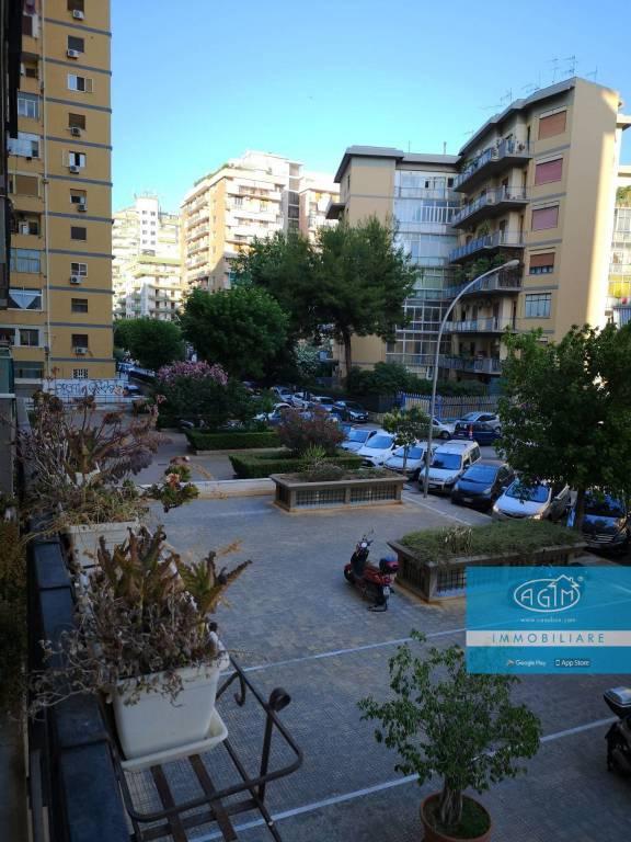 Appartamento in Vendita a Palermo Centro:  4 locali, 120 mq  - Foto 1