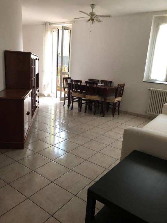 Appartamento in ottime condizioni parzialmente arredato in affitto Rif. 8053842