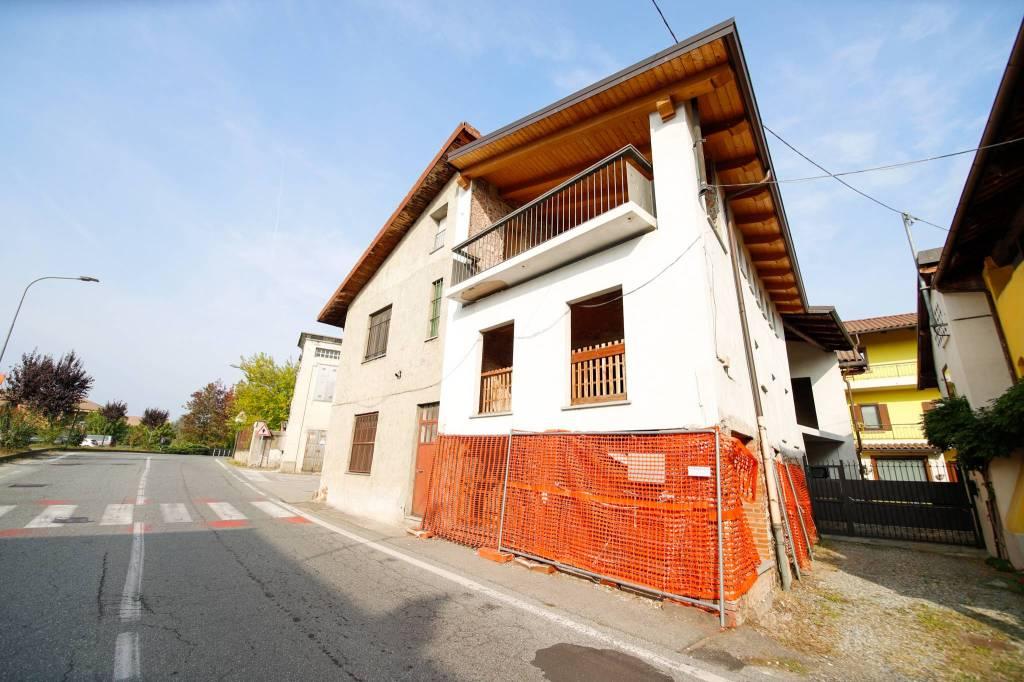 Foto 1 di Rustico / Casale via Giovanni Servais 20, Favria