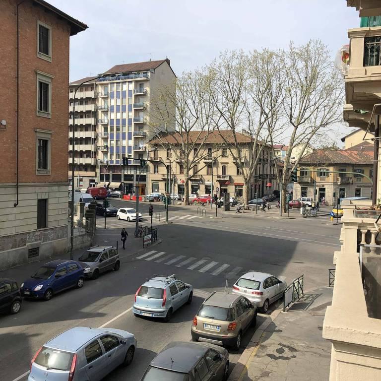 Foto 1 di Bilocale corso Giulio Cesare 116, Torino (zona Barriera Milano, Falchera, Barca-Bertolla)