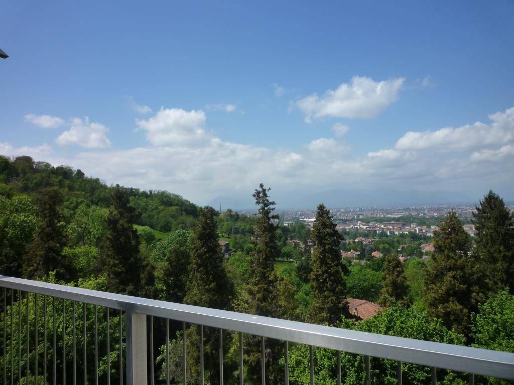 Foto 1 di Appartamento strada di Valpiana, Torino