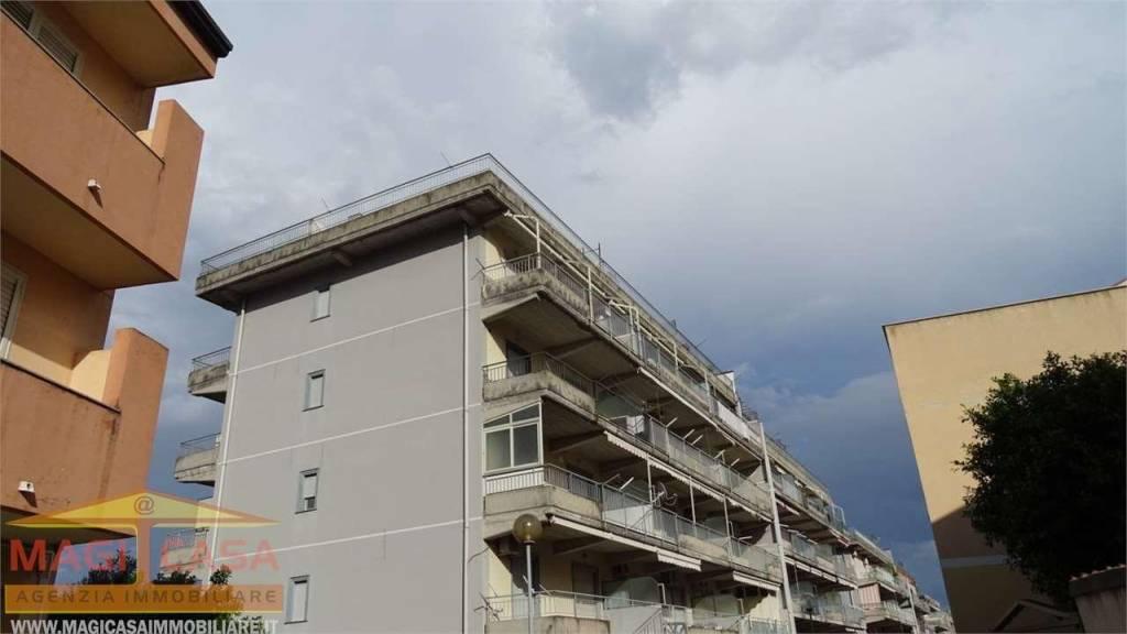 Appartamento in vendita a Santa Teresa di Riva, 2 locali, prezzo € 50.000 | CambioCasa.it