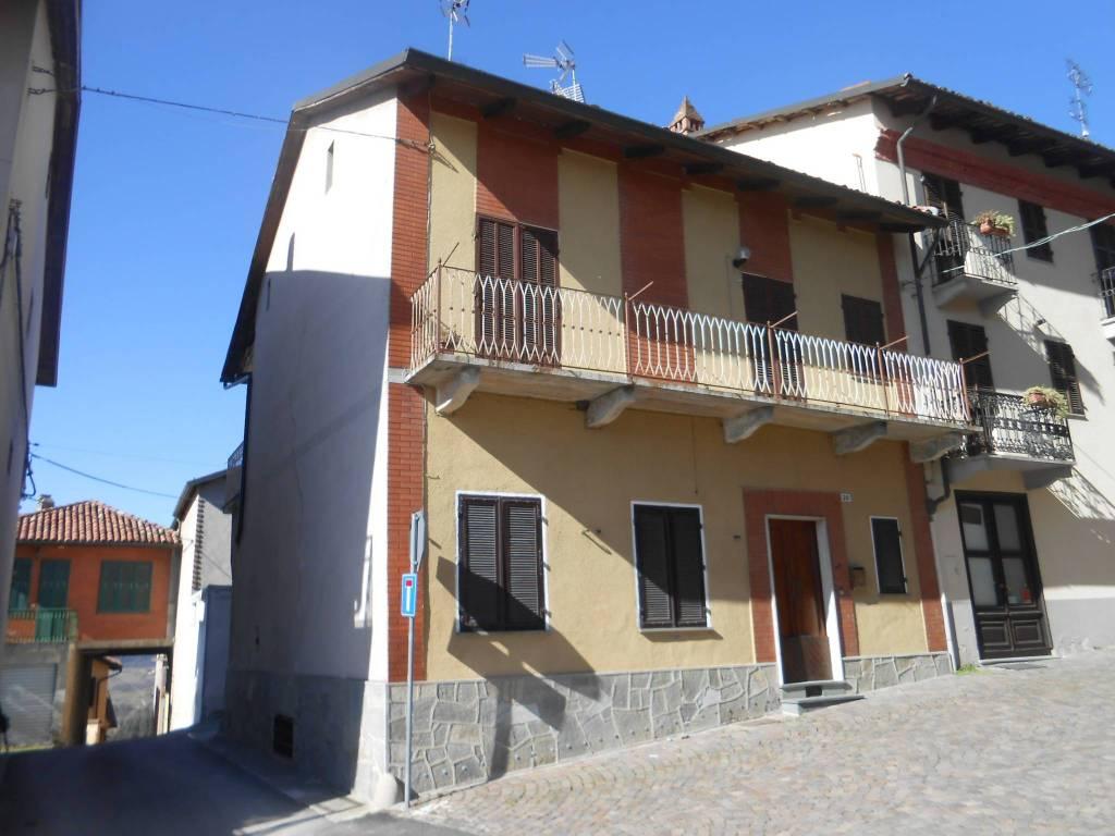 Appartamento in vendita a Cocconato, 2 locali, prezzo € 45.000 | CambioCasa.it