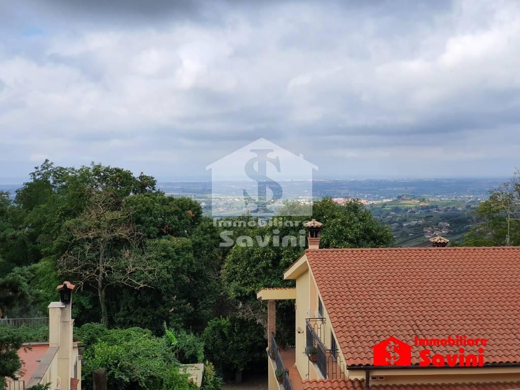 Appartamento in vendita a Lanuvio, 3 locali, prezzo € 138.000   CambioCasa.it