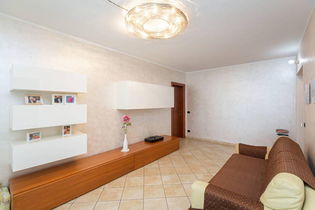 Foto 1 di Appartamento via Stefano Tempia 9, Torino (zona Barriera Milano, Falchera, Barca-Bertolla)
