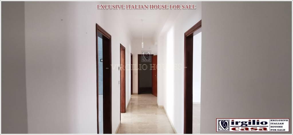 Appartamento in vendita a Ostuni, 4 locali, prezzo € 190.000 | CambioCasa.it