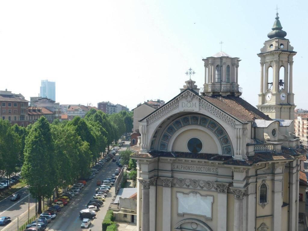 Foto 1 di Quadrilocale corso Alessandro Tassoni 45, Torino (zona Cit Turin, San Donato, Campidoglio)
