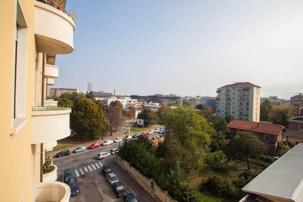Foto 1 di Bilocale via Rio De Janeiro 6, Torino (zona Cenisia, San Paolo)