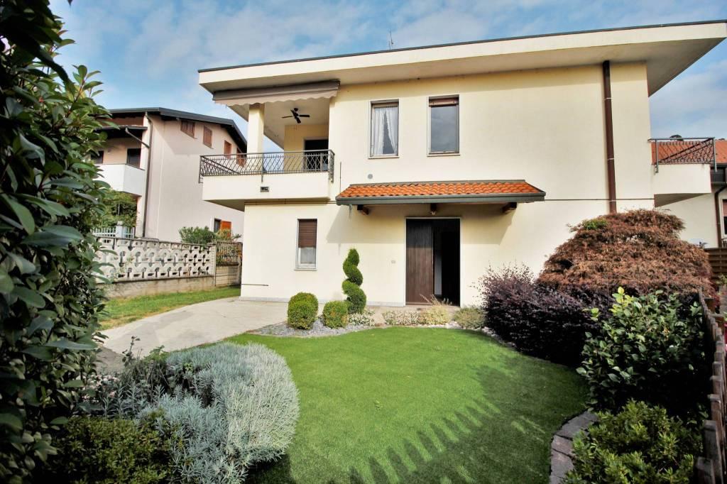 Appartamento in vendita a Marnate, 4 locali, prezzo € 160.000 | PortaleAgenzieImmobiliari.it