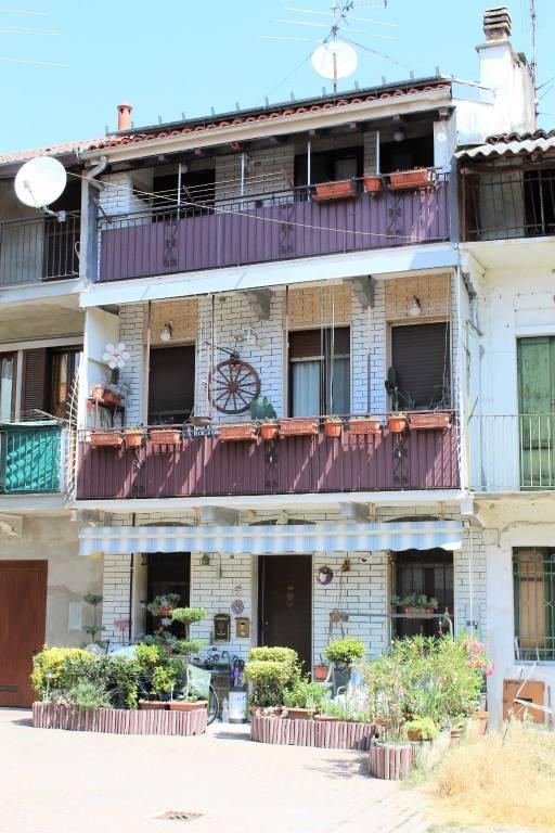 Appartamento in buone condizioni in vendita Rif. 7184957