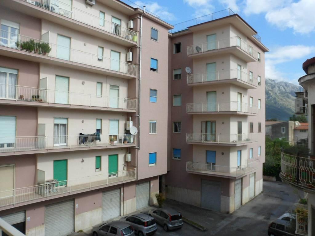 Appartamento in vendita a Airola, 4 locali, prezzo € 105.000 | CambioCasa.it