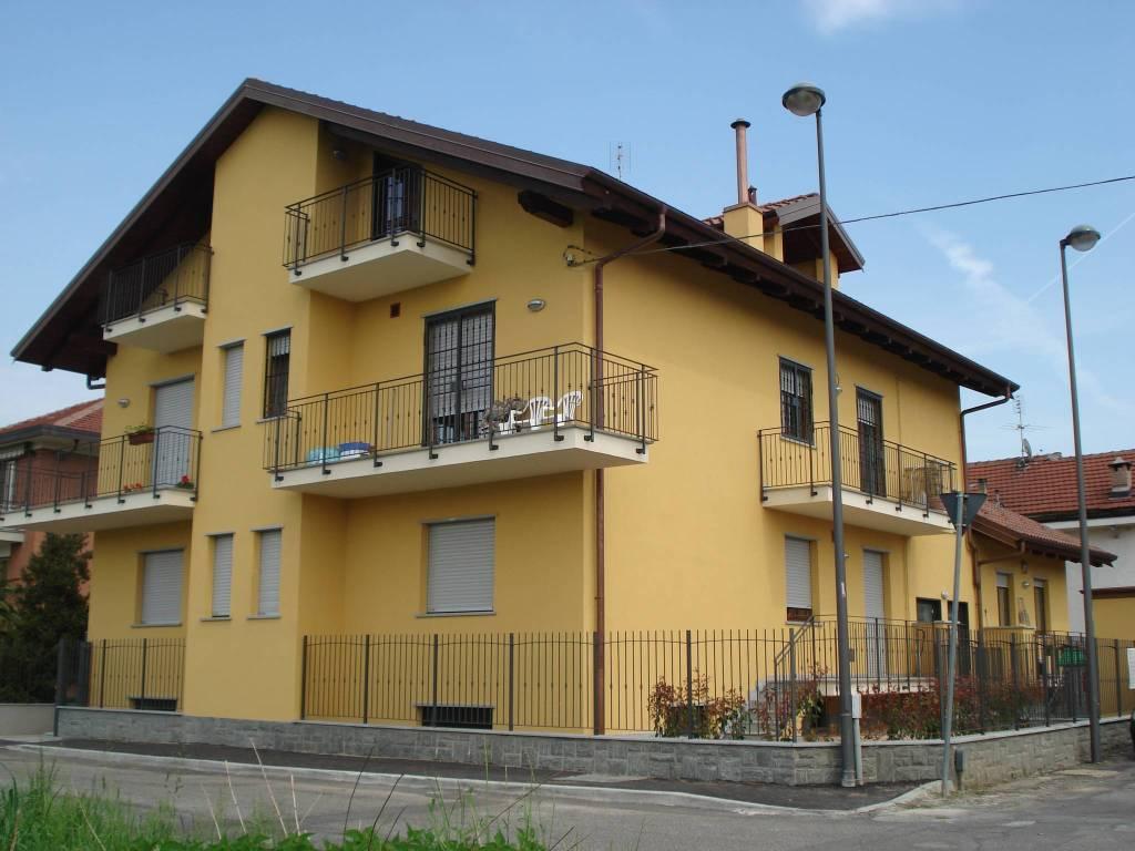 Appartamento in vendita a Beinasco, 2 locali, prezzo € 125.000   CambioCasa.it