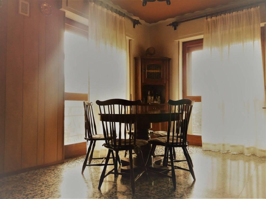 Appartamento in buone condizioni arredato in vendita Rif. 7847719