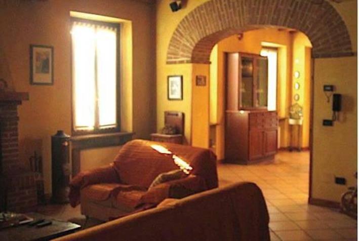 Appartamento in vendita a Marcaria, 5 locali, prezzo € 68.373 | CambioCasa.it