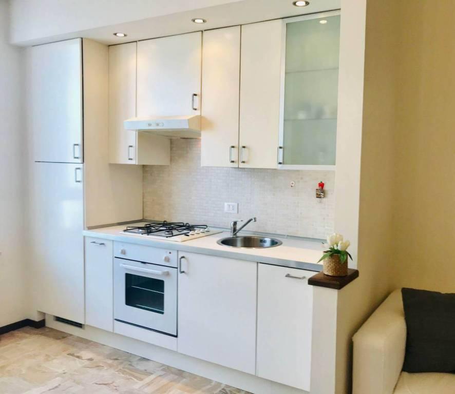 Appartamento in ottime condizioni arredato in vendita Rif. 8284630