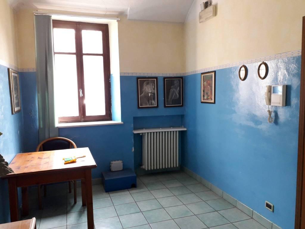 Ufficio / Studio in vendita a Cavaglià, 3 locali, prezzo € 36.000 | CambioCasa.it