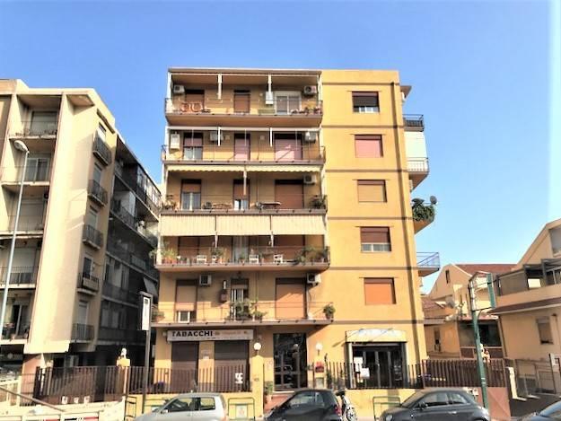 Foto 1 di Trilocale strada Statale Orientale Sicula, Messina