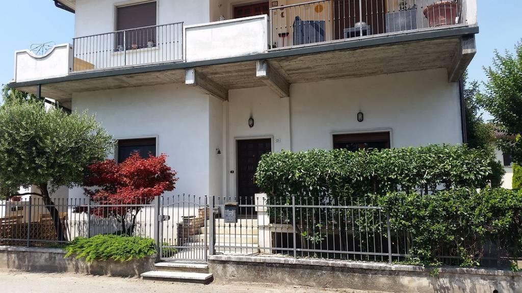 Appartamento in vendita a San Pietro di Morubio, 4 locali, prezzo € 78.000 | PortaleAgenzieImmobiliari.it