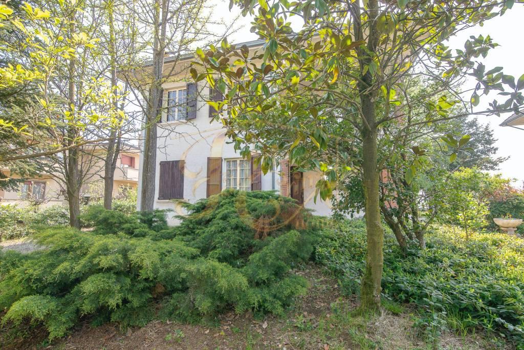 Villa in Vendita a Agazzano Centro: 3 locali, 222 mq