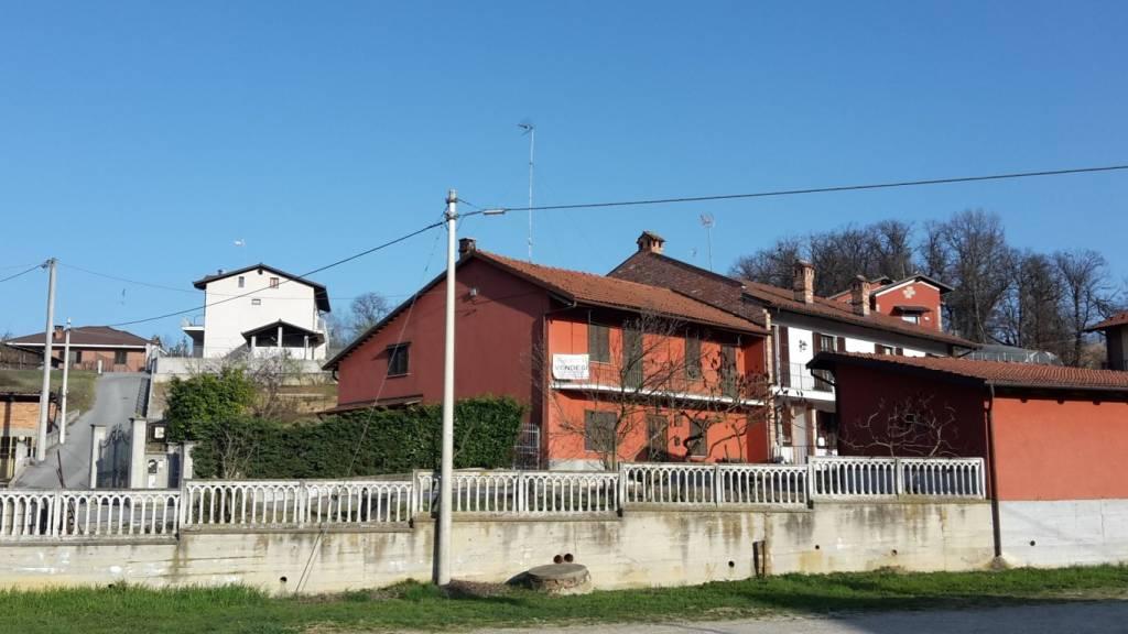 Foto 1 di Villa strada San Michele, Bra