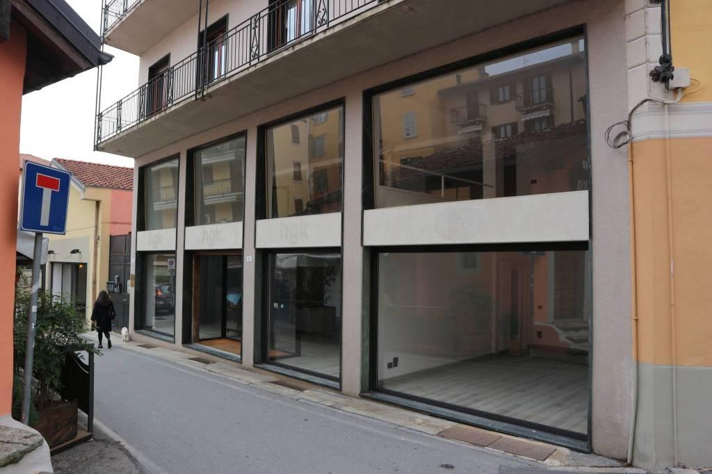 Negozio / Locale in vendita a Verbania, 5 locali, Trattative riservate | CambioCasa.it