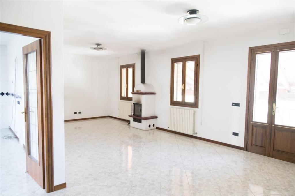 Appartamento in vendita a Borgoricco, 8 locali, prezzo € 238.000 | PortaleAgenzieImmobiliari.it