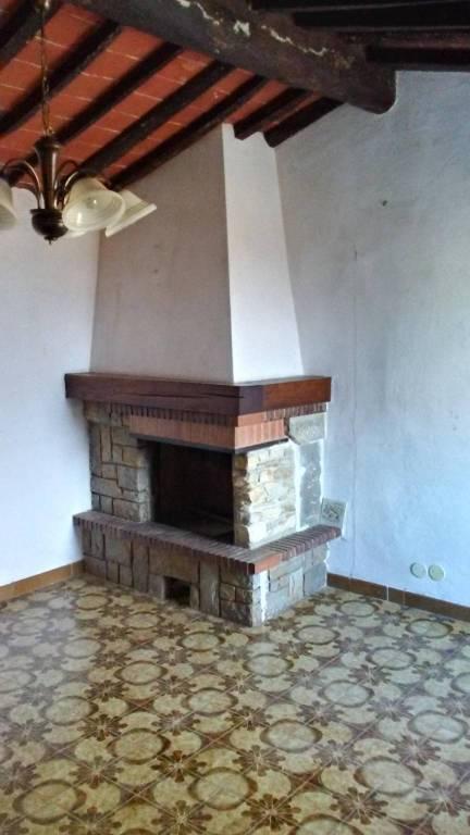 Appartamento in Vendita a Crespina Lorenzana: 4 locali, 68 mq