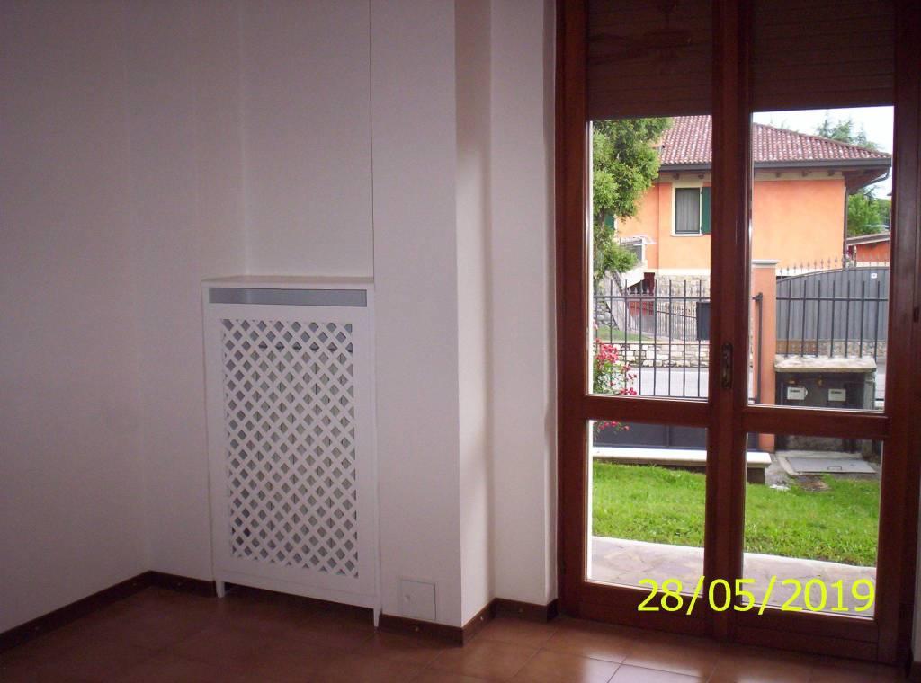 Appartamento in affitto a Cologno al Serio, 3 locali, prezzo € 500 | CambioCasa.it