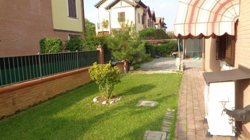 Appartamento con giardino ad.ze centro commerciale Marcolfa