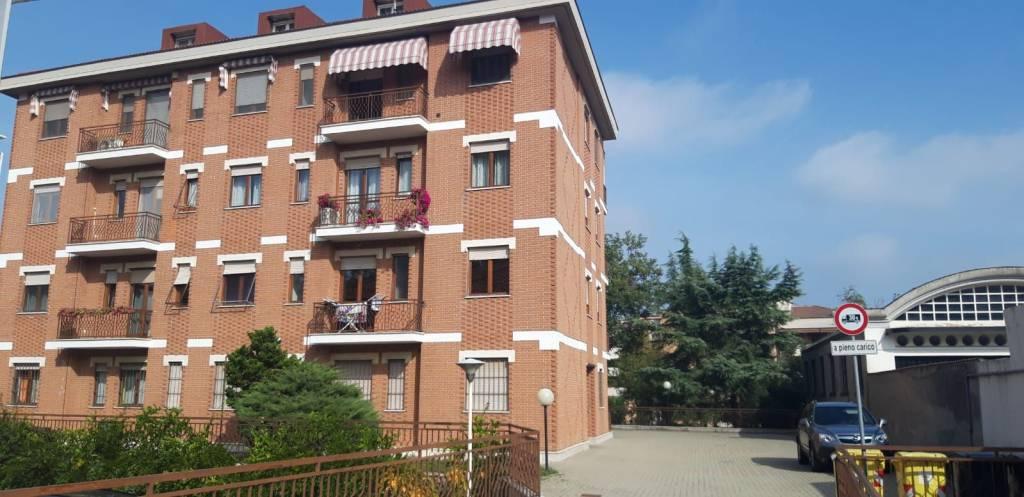 Foto 1 di Trilocale strada Valmanera 71, Asti