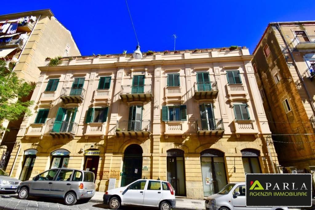 Appartamento da ristrutturare in vendita Rif. 8719891