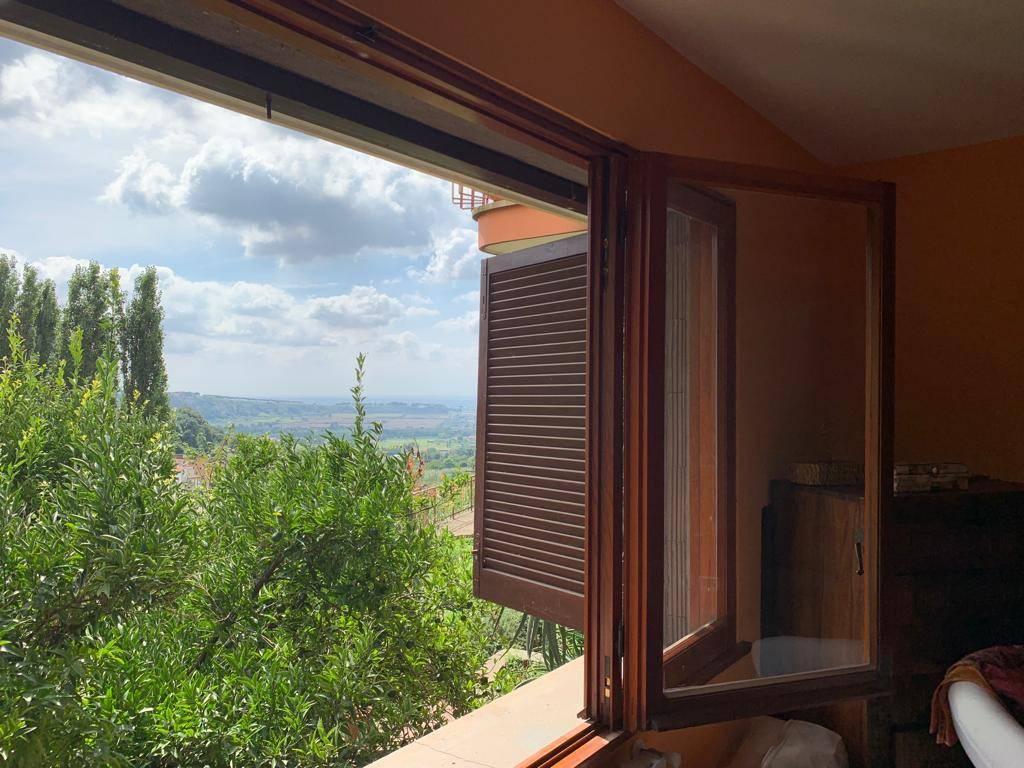 Appartamento in vendita a Ariccia, 5 locali, prezzo € 135.000 | PortaleAgenzieImmobiliari.it