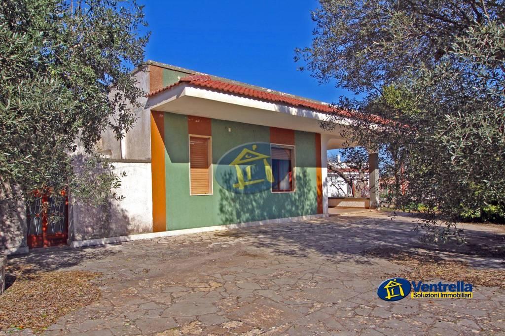 Villa in buone condizioni in vendita Rif. 8758786