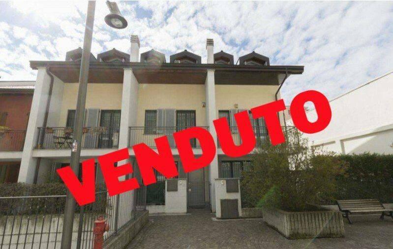 Villetta in Vendita a Vimodrone: 5 locali, 170 mq