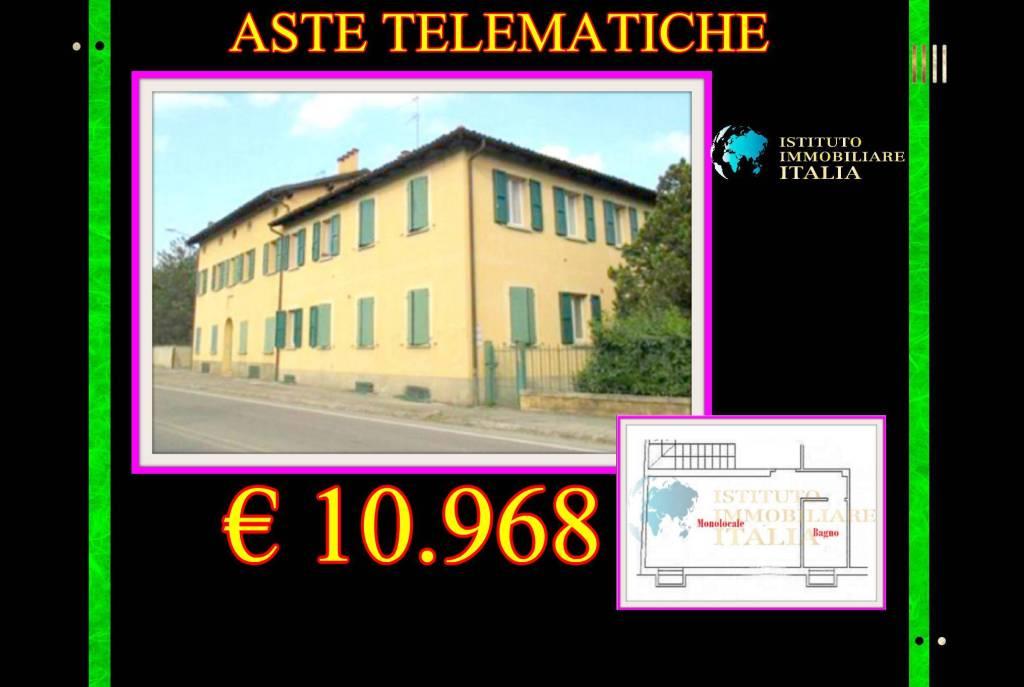 Appartamento in buone condizioni in vendita Rif. 9086395