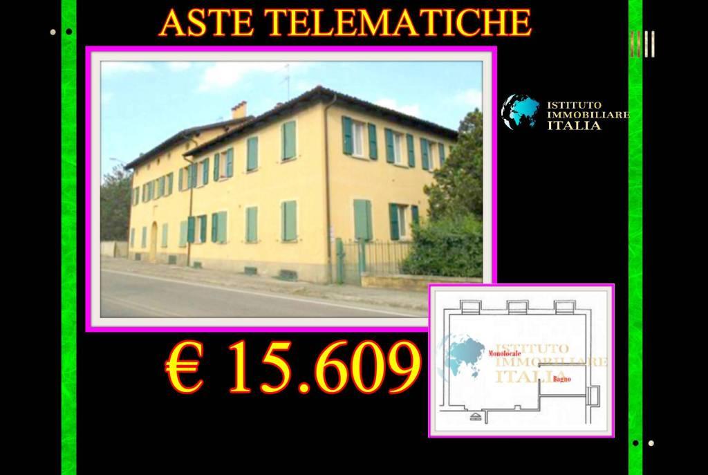 Appartamento in buone condizioni in vendita Rif. 9097489