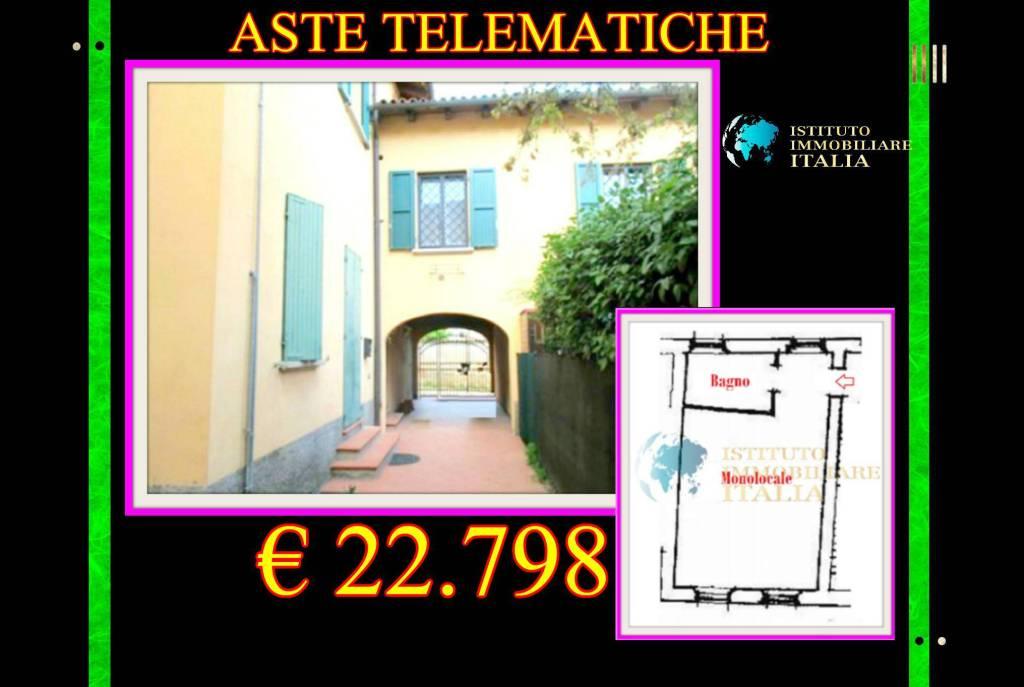 Appartamento in buone condizioni in vendita Rif. 9097493