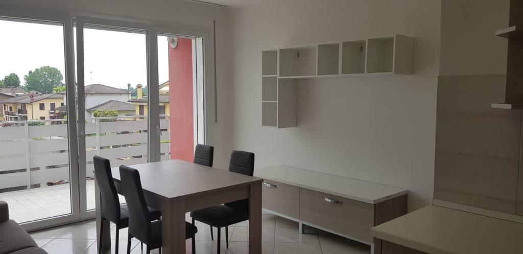 Appartamento in ottime condizioni in vendita Rif. 8315326