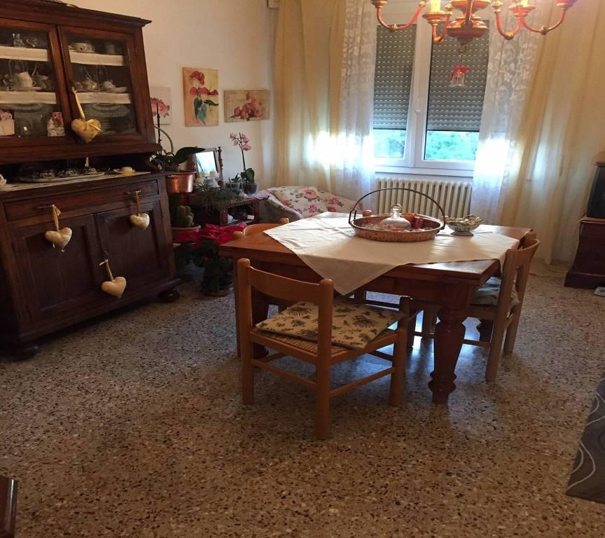 Appartamento in Vendita a Ravenna Semicentro: 4 locali, 98 mq