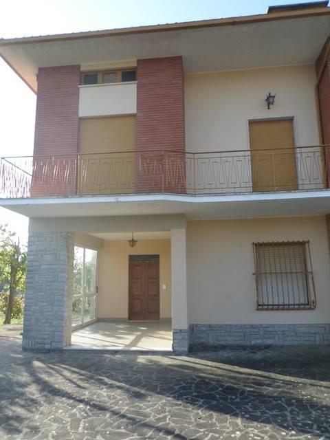 Casa indipendente in Vendita a Tuoro Sul Trasimeno: 5 locali, 426 mq