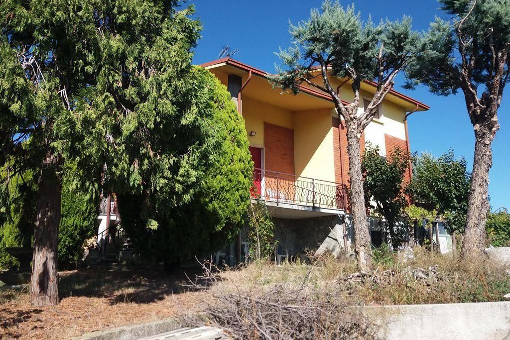 Villa in vendita a Montecalvo Versiggia, 8 locali, prezzo € 190.000 | PortaleAgenzieImmobiliari.it