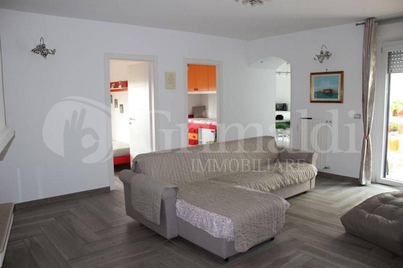 Appartamento in Vendita a Sannicola Periferia: 4 locali, 132 mq