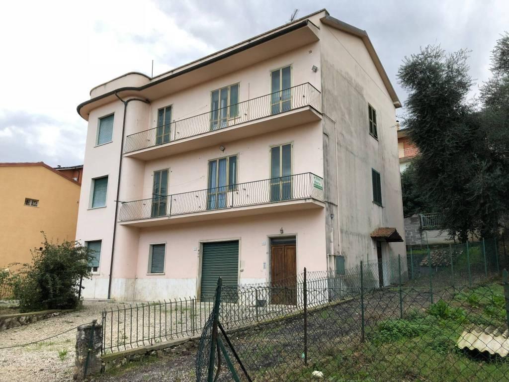 Appartamento da ristrutturare in vendita Rif. 9259573