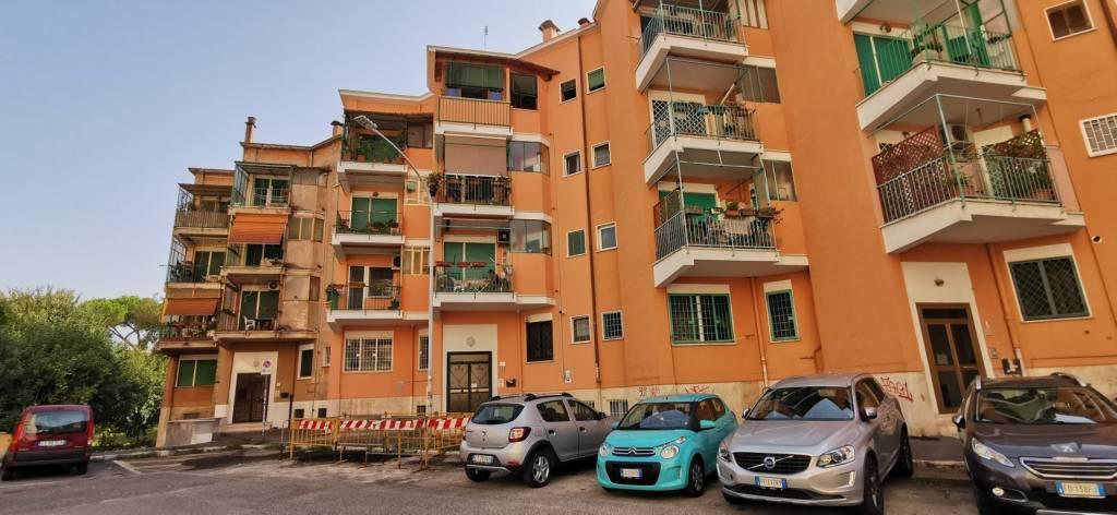 Appartamento in vendita a Roma, 3 locali, zona Zona: 20 . Marconi - Ostiense, prezzo € 245.000   CambioCasa.it