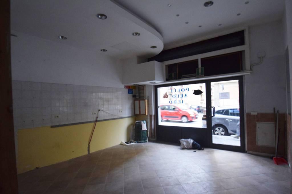 Negozio / Locale in affitto a Genova, 1 locali, zona Zona: 16 . Voltri, Ponente Mare, prezzo € 1.100   CambioCasa.it