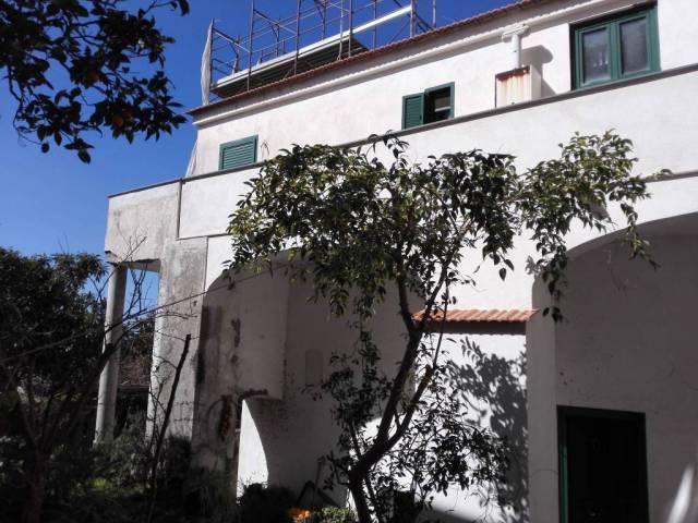 Appartamento in ottime condizioni in vendita Rif. 4214252